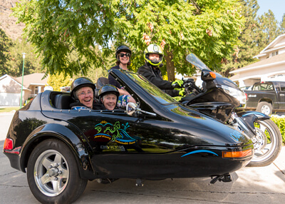 3 Ladies on Sidecar Experience Birthday Tour in Summerland